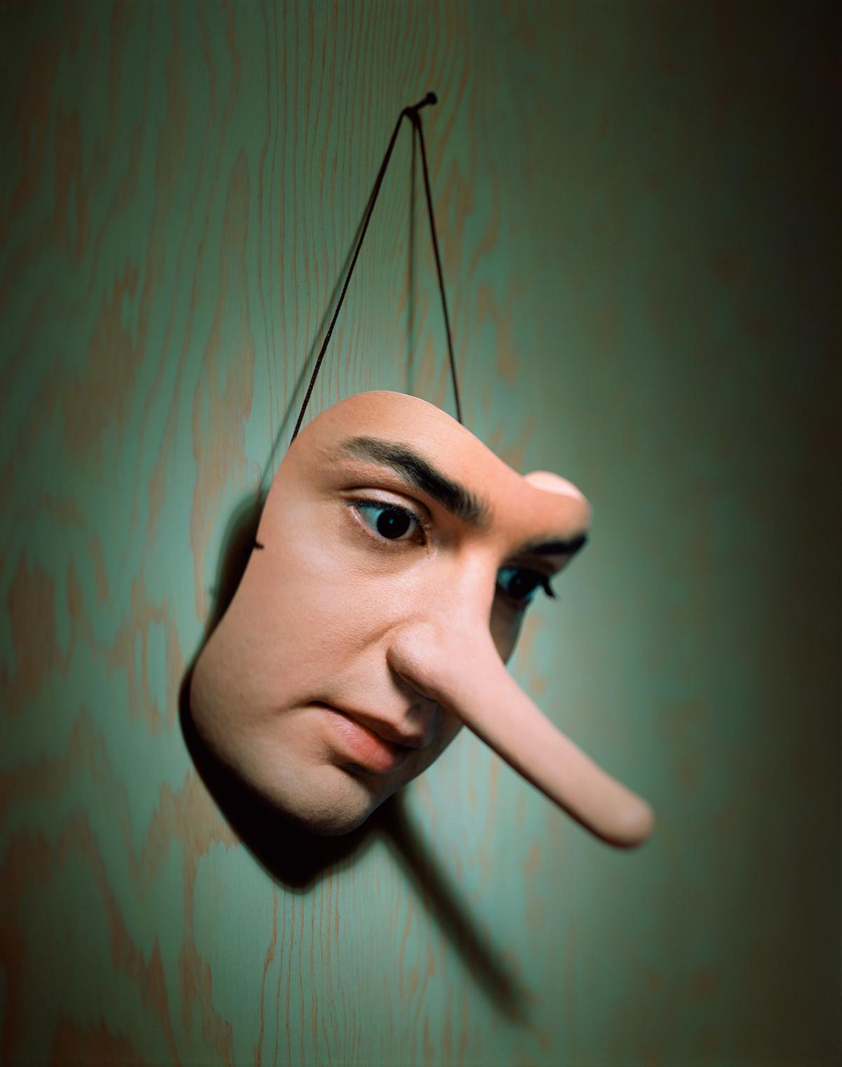 Yalan Söyleyeni Ele Verecek İpuçları